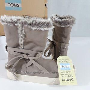 Toms Vista Wraparound Ankle Strap Boots NIB-sz 7